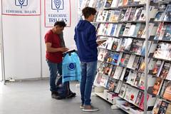 ASISTENTES A LA FIL (Secretaría de Cultura CDMX) Tags: xviii fil feria intercional libro zócalo cdmx compradores sellos editoriales 800 2018 méxico ciudaddeméxico