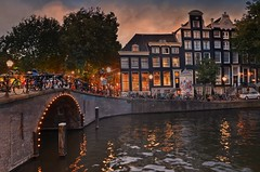 Twilight (Aránzazu Vel) Tags: twilight amsterdam netherlands holland holanda canal bridge ponte puente crepuscolo cityscape urban ciudad city