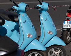 Twins (Leaning Ladder) Tags: italy italia tuscany florence firenze vespa motorcycles blue canon 7dmkii leaningladder