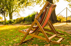 Not Many Takes For The Deck Chairs On This Bright But Cool Autumn Day (williamrandle) Tags: deckchair bridgnorth shropshire england uk 2018 autumn gardens outdoor sunshine shade nikon d750 tamron2470f28vc