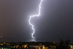 Orage, Marignane, 7 Octobre 2018 (Enzo R.) Tags: storm orage éclair lightning marignane night nuit lights lumières sea mer méditerranée mediteranean nature weather météo climate climat provence france rain pluie foudre