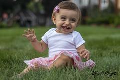 Brooklyn (alfredo.rossitto) Tags: 50mm canon baby laugh kid kids children grass
