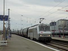 BB 26118 Fantôme + Céréalier (ChristopherSNCF56) Tags: bb26000 bb26118 sybic fantome sncf train fret wagons céréales céréralier trains marchandise locomotive gare nantes