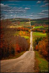 Route rurale en pente / Steep slope on rural road (Jeanluc Verville) Tags: route road automne autumn