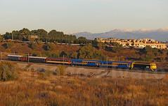 Tren Rio Ebro (Mariano Alvaro) Tags: tren trenes 80 rio ebro aafm renfe alsa azaft