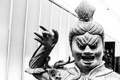 Samurai Guardian (Beto Vilaboim) Tags: masp samurai sãopaulo esculturas samuraiguardian blackwhite pb bw pretoebranco