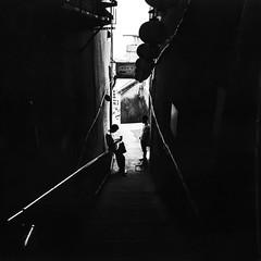 Jiufen (Bill Thoo) Tags: jiufen taiwan travel street alley monochrome bnw blackandwhite analog film analogue filmphotography filmcamera analogphotography analoguephotography mediumformat mediumformatfilm mediumformatfilmphotography mediumformatfilmcamera 6x6 5040 50mm mamiya mamiya6 fomapan fomapan400 push2stops pushed2stops village contrast
