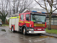 CN04FVU (HkEmergencyPhotography) Tags: south wales fire rescue service brigade 999 911 emergency scania truck engine appliance uk red blue light lights siren water ladder