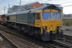 66503 7Y32 (Rob390029) Tags: freightliner class 66 66503 newcastle central railway station ncl