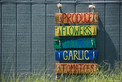 Get it here.... (Joe Hengel) Tags: getithere lowerslowerdelaware lsd lewes lewesde delaware de sussexcounty sign produce farmstand shed