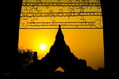 Bagan sunset (José Hidalgo) Tags: bagan myanmar birmania puestadesol sunset templo pagoda silueta