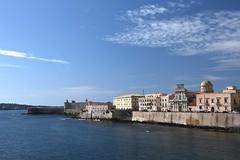 Siracusa, Chiesa di San Filippo Neri (1742) und Castello Maniace an der Ostseite der Halbinsel Ortigia