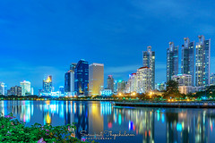 Benjakitti Park (LegendORC) Tags: sony a7m2 sel1635gm bangkok thailand benjakittipark park cityscape water building architecture sky tree