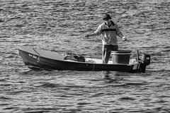 fisherman (+he-photography+) Tags: meer boot fischer wasser leinenfischer