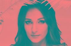 Bajo la palma (Ana Cosculluela) Tags: retrato retratodeautor spectrum pedroavellaned modelo eva blancoynegro retropansoft320 film 35mm yashicafxsuper2000 estudio