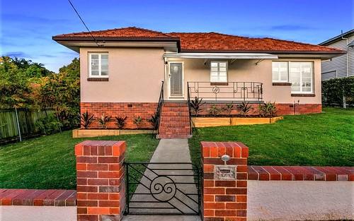 19 Hilltop Av, Annerley QLD 4103
