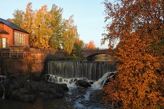In Autumn colors (KaarinaT) Tags: helsinginvanhakaupunki fall fallcolor autumn autumncolors river finland