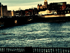 Cry me a river (The Big Jiggety) Tags: river capitol midwest