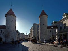 Fortress walls and towers of the old town. Tallinn, Estonia (varfolomeev) Tags: 2018 эстония город estonia city fujifilmxt10 samyang12mm
