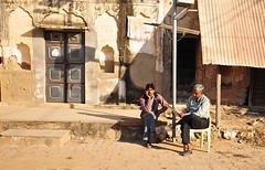 India- Rajasthan- Alsisar (venturidonatella) Tags: india asia rajasthan alsisar street strada streetscene streetlife uomini men portraits ritratti people persone gentes colori colors sedia sedie chair chairs nikon nikond300 d300 emozione emotion attesa waiting
