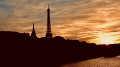 Night falls over Paris (joanneclifford) Tags: xf1855 fujifilmxt20 evening landscape france paris eiffeltower riverseine sunset eiffel tower