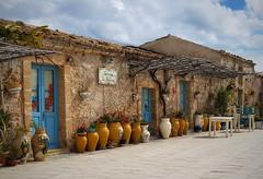 Marzamemi (Aellevì) Tags: siracusa noto sicilia azzurro porta vaso italy