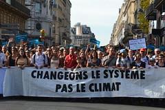 Climate change protesters march in Paris streets (Jeanne Menjoulet) Tags: climat change protesters manif marche manifestation environnement climate écologie changeonslesystème