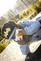 Baby Photographer (Oscar Inostroza) Tags: batman camera niño sol photography photographer babyphotographer