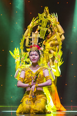DAG_8934r (crobart) Tags: thousand hand bodhisattva eyes yate dance acrobatic team chinese china canadian national exhibition cne 2018 toronto