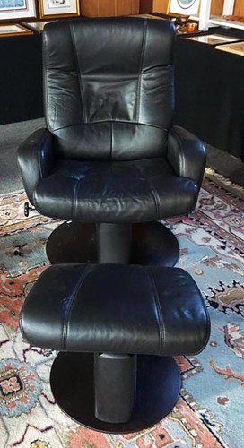 Palliser Stressless style recliner with ottoman ($336)