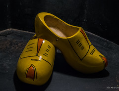 2018 - Amsterdam - Clogs (Ted's photos - Returns Late November) Tags: 2018 amsterdam cropped nikon nikond750 nikonfx tedmcgrath tedsphotos vignetting clogs shoes woodenshoes woodshoe two pair duo
