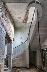 Escalier (ostplp) Tags: exploration urbex friche abandonné ancien vintage lost perdu chateau patrimoine désert disparu