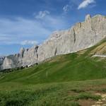 Vue sur le massif du Piz Selva, passo di Sella (2240m), Canazei, Val di Fassa, province de Trente, Trentin-Haut Adige, Italie. thumbnail