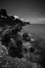 Costa Daurada - Ametlla de Mar (steelmancat) Tags: costa daurada ametlla de mar terres ebre roques beach paissatges catalunya bn bw landscape photography sea mediterrani catalonia
