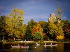 Bois de Vincennes en octobre (Calinore) Tags: vincennes park garden paris autumn automne jardin bois boisdevincennes lacdaumesnil daumesnilslake boat bateau barque