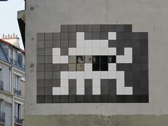 Space Invader PA_1371 (tofz4u) Tags: 75013 paris streetart artderue invader spaceinvader spaceinvaders mosaïque mosaic tile pa1371 noir blanc white black bluesbrothers big