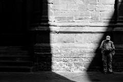 Solo (luca_pictures) Tags: elemosinare firenze italy bw luce ombra povertà