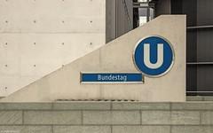 U-Bhf Bundestag Berlin (Jenke-PhotozZ) Tags: berlin berlinstyle view visitberlin motive bundestag regierungsviertel ubahnhof bahnhof travel trainstation photo photography perspective politik politics canon details beton