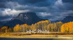 An Autumn Morning in Grand Teton (HelenC2008) Tags: grandteton oxbowbend yellowstone fall sunrise light nikon d810