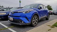 Toyota C-HR at Arundel Mills (SchuminWeb) Tags: schuminweb ben schumin web august 2018 maryland md crossover suv xuv car anne arundel annearundel county hanover toyota c hr chr blue knockoff copycat knock off honda hrv v overdesigned over designed copy mills arundelmills