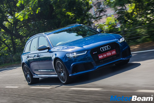 Audi-RS6-Avant-Performance-30