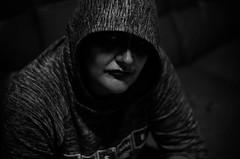 All hallows eve (Arsumigli aka Papi) Tags: ritratto portrait halloween bw bn bianco nero black white dark lowkey arsumigliakapapi nikon d90 afsnikkor50mm118g flash meike speedlite mk910 sfocati