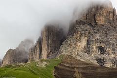 Sassolungo nella nebbia (cesco.pb) Tags: valdifassa sassolungo trentino passosella dolomiten dolomiti dolomites alps alpi italy italia canon canoneos60d tamronsp1750mmf28xrdiiivcld montagna mountains