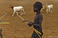 20180925 Etiopía-Turmi (32) R01 (Nikobo3) Tags: áfrica etiopía turmi etnias tribus people gentes portraits retratos culturas travel viajes nikon nikond610 d610 nikon247028 nikobo joségarcíacobo