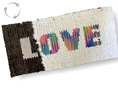 Wechsel Pailletten Patch LOVE, rainbow-s/w, XL Farbwechsel Applikation ca.11x23cm (patchmonkeys) Tags: patch glamour pailletten love glam edel chic style rainbow gros rücken brust applikation glamourös glizzy glitzern glitzerdinge strahlen aufbügler aufnäher patches flipflop kippeffekt farbwechsel wendepailletten lgbt is