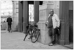 DSCF8119.jpg (srethore) Tags: photo de rue black white bw street people candid meike 35mm