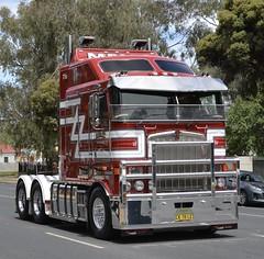 Menz (quarterdeck888) Tags: trucks truckies transport australianroadtransport roadtransport lorry primemover bigrig overtheroad class8 heavyvehicle highway road truckphotos nikon d7100 movingtrucks jerilderietrucks jerilderietruckphotos quarterdeck frosty expressfreight generalfreight logistics overnightfreight highwayphotos semitrailer semis semi flickr flickrphotos convoyforkids convoy waggaconvoyforkids2018 riverinaconvoyforkids riverinatruckshow truckshow workingtrucks transportexpo menz kenworth k108 bigcab