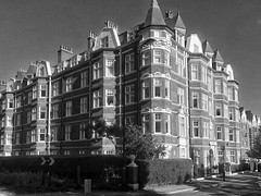 The Pryors 3pm (marc.barrot) Tags: bw london uk hampstead nw3 thepryors pm landscape urban