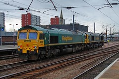 DONCASTER 301215 66554  66599 (SIMON A W BEESTON) Tags: doncaster ecml eastcoastmainline freightliner 66554 66599 0z34