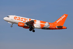 "EasyJet Airline Airbus A319-111 G-EZBI  ""Romeo Alpha Juliet""  ""Shakespeare"" (M. Oertle) Tags: easyjet airline airbus a319111 gezbi shakespeare"